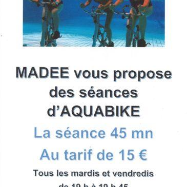Le mardi et le vendredi à la piscine, de 19h à 19h45 aquabike avec Madee
